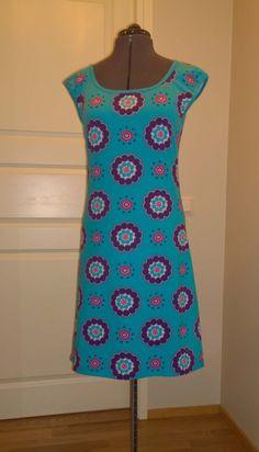 Jersey dress. Pattern modified from Farbenmix Joana