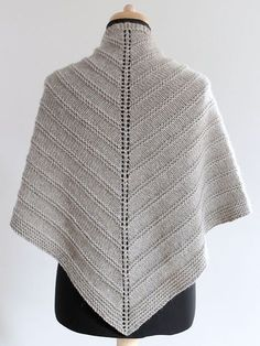 Skoosh! is worked in one piece, top-down with Aran weight wool -pattern by Amanda Clark - Skoosh means very easy in Scottish dialect