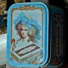 NABISCO...   c. 1970 vintage tin  box... Home by CoolVintage, $9.50