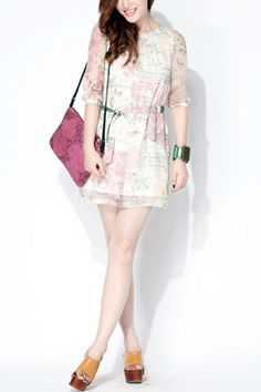 Dress made of silk, featuring round neck, short sleeves, floral print, hip hugging design, lace-up fastening to waist, all in regular fit.