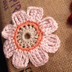 Free Crochet Pattern For Mollie Flowers : crocheted small flowers on Pinterest Crochet Poppy ...