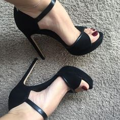 #shoes #shoes #shoesaddict #shoppingaddict #shooting #shoelover #shoelover #shoeshop #shoelove #shoelovers #sexyshoes #sexyme #sexyselfie #sexymodel #sexyfeets #sexyfoot #sole #blog #blogueuse #blogger #fashion #fashionbloggers