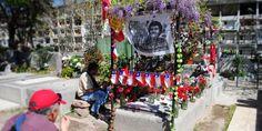 Tumba de victor Jara. Cementerio General de Santiago de Chile