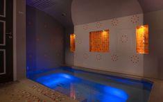 Top 15 des meilleurs spas parisiens - L'Express Styles Le Bristol, Styles, Spas, Bathtub, Parisians, Standing Bath, Bathtubs, Bath Tube, Bath Tub