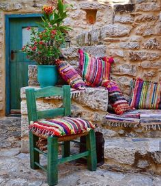 I 've seen similar chairs very far from Laconia, in Skyros island. They were small even for me and I am the definition of tiny! Traditional Decor, Traditional House, Garden Nook, Greek History, Outdoor Furniture Sets, Outdoor Decor, Old World Charm, Greece Travel, House Colors