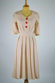 1940s-vintage-dress-CC41-ivory-moygashel-red-spots-tie-belt-front.jpg (900×1356)