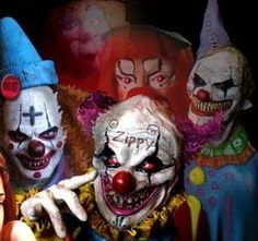 Top 5 Scary Clowns in Horror Movies Blood Harvest Clownhouse Killer Klowns from Outer Space Amusement Stephen King. Clown Halloween, Gruseliger Clown, Creepy Clown, Halloween Makeup, Clown Posse, Halloween Carnival, Creepy Stuff, Scary Circus, Joker Clown