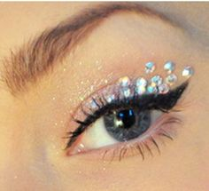 glitter, white, rhinestones, black. wingtip    Thiis is one of my faves to do!