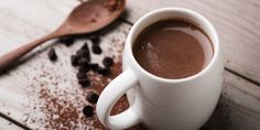 Hot Cocoa: An Unexpected Post-Workout Superfood Almond Milk Hot Chocolate Recipe, Healthy Hot Chocolate, Hot Chocolate Recipes, Hot Toddy Recipe For Colds, Superfood, Le Cacao, Pear Smoothie, Healthy Smoothies, Easy Homemade Recipes