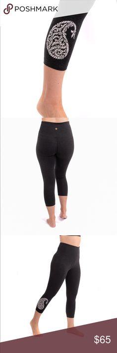 38179bf939ad6c High Waist Paisley Burnout Yoga Pilates Leggings Super high waist Designer  quality Paisley Burnout Leggings Big