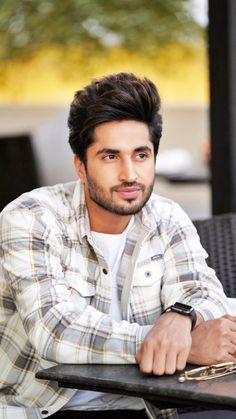 Dessert Recipes: 67 Quick Easy & Actually Delicious Dessert Recipe Ideas Your Family Friends & Guests Will Love - Everytime You Make Them! Jassi Gill Hairstyle, Punjabi Boys, Ms Dhoni Wallpapers, Punjabi Models, Chocolate Boys, Army Wallpaper, Bokeh Photography, Go For It, Girl Couple