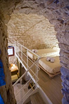 New Bedroom White Rustic Loft Ideas Houses In France, Rustic Loft, Old Stone Houses, Tadelakt, Loft Interiors, Interior Design Living Room, Interior And Exterior, Architecture Design, Sweet Home