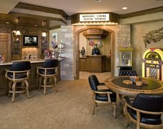 Man Cave -- Bar, Poker table, juke box, theatre...