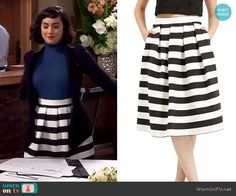 Mandy's striped skirt on Last Man Standing.  Outfit Details: http://wornontv.net/53988/ #LastManStanding