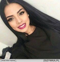 Zobacz zdjęcie śliczna brunetka w pełnej rozdzielczości