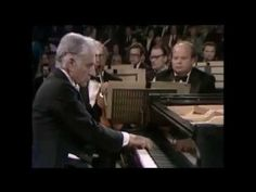 George Gershwin - Rhapsody in Blue - Leonard Bernstein - conductor & piano, New York Philharmonic