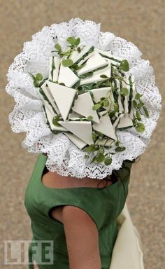 Royal Ascot - watercress sandwiches. I don't think I'd wear this even though I ♥ wearing crazy cool hats, but it gets points from me for its sense of humour. I LOVE English tea sandwiches! White sandwich bread (crusts removed) + cream cheese or butter + cucumber + watercress + chive or dill. DELICIOUS!