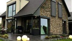 Proiect deosebit de casa cu mansarda cu 4 dormitoare cu arhitectura moderna – Idei case Archi Design, Design Case, House Plans, Sweet Home, House Design, Photos, Outdoor Decor, Home Decor, Facades