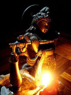 Why did Hanuman protect Arjuna's Chariot?