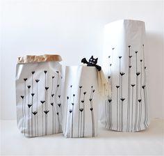 Mchy i porosty #paperbags #storage #kidsdesign #szaryfika #blackandwhite #handpainted #moss