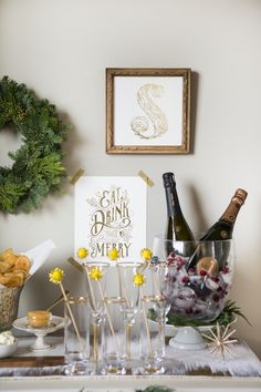 Aussie Tastemaker Emma Lane Wants Us to Connect With Nature – How to Setup a Holiday Bubbly Bar - Camille Styles Christmas Party Drinks, Holiday Cocktails, Holiday Parties, Bubbly Bar, Champagne Bar, Home Bar Setup, Bar Set Up, Cocktail Making, Party Signs