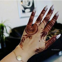 Explore latest Mehndi Designs images in 2019 on Happy Shappy. Mehendi design is also known as the heena design or henna patterns worldwide. We are here with the best mehndi designs images from worldwide. Finger Henna Designs, Simple Arabic Mehndi Designs, Henna Art Designs, Mehndi Designs For Girls, Modern Mehndi Designs, Dulhan Mehndi Designs, Mehndi Design Pictures, Mehndi Designs For Fingers, Latest Mehndi Designs