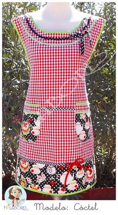 Delantal para mujer hecho de forma artesanal. Puede personalizarse con el nombre bordado. Womens apron made by hand. It can be customized with embroidered name.