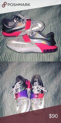 f5ce22e2f6e495 Nike KD s size 6 in boys (8 in women s) Worn once. Size runs