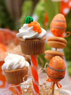 Carrot Frosted Cupcake -->http://hg.tv/vhz7