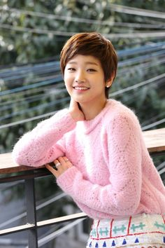 3 Korean Women Who Are Completely Changing The Country's Beauty Standards Asian Short Hair, Girl Short Hair, Short Hair Cuts, Korean Actresses, Korean Actors, Short Styles, Long Hair Styles, Park So Dam, Cinderella And Four Knights
