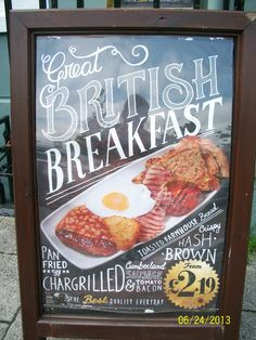 ~ full English breakfast ~ classic ~ The Full Monty Scottish English, British Dishes, British Traditions, Best Bacon, Rule Britannia, Pub Food, England And Scotland, London Calling, Breakfast Time