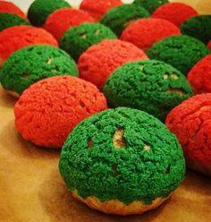 profiteroles with cream. Colorful dessert. #cake#profiteroles#fashion#eclairs#dessert#профитроли#шу