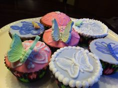 My brush embroidery cupcakes