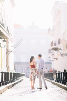 Romantic Stroll through Old San Juan for an Engagement Session http://camillefontz.com/?p=8683