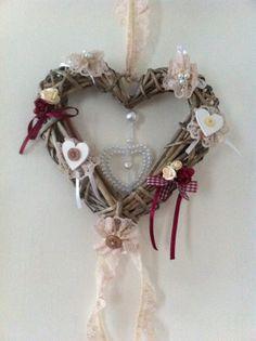 Wicker heart wreath £11.00