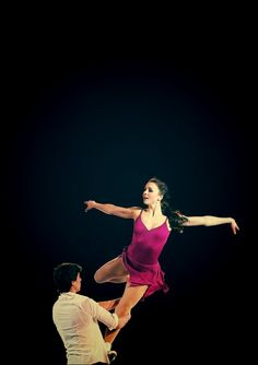 An Athlete and an Artist Virtue And Moir, Tessa Virtue Scott Moir, Ashley Cain, Tessa And Scott, Ice Dance, Figure Skating Dresses, Ice Skating, Artist At Work, Skate