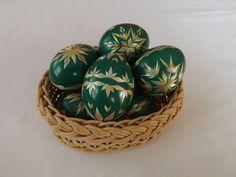 Kraslice zdobené slámou - zelené / Zboží prodejce Zumka.S   Fler.cz Egg Art, Egg Decorating, Art Techniques, Eggs, Egg, Egg As Food