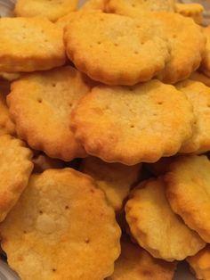 Crackers al pomodoro Bimby, ottimi stuzzichini per l'aperitivo, l'antipasto, un buffet o una festicciola facili e veloci da preparare! Ingredienti: ...