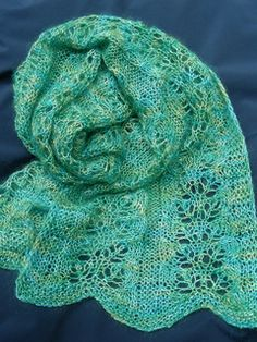 This scarf was inspired by the colorful autumn leaves that I enjoyed seeing from my breakfast nook. The leaves are gone now, but the memory of them lives in my scarf.