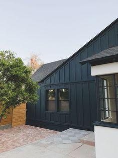 Green Exterior Paints, House Paint Exterior, Exterior House Colors, Exterior Design, Siding Colors, House Siding, Building Exterior, Board And Batten Exterior, Modern Farmhouse Exterior