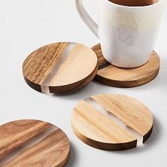 Diy Wood Projects Discover Wood & Resin Coasters (Set of Crafted of acacia wood and resin our Wood & Resin Coasters add an earthy vibe to your table while protecting it from pesky water drips and stains. Small Wood Projects, Scrap Wood Projects, Woodworking Projects Diy, Woodworking Furniture, Woodworking Plans, Woodworking Classes, Scrap Wood Art, Art Projects, Wood Projects That Sell