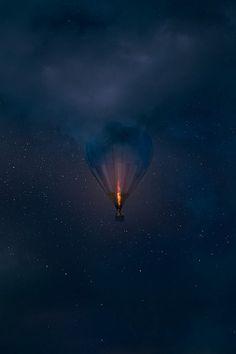 Hot air ballon imagery // I like the idea of a single mammoth floating form in the sky Air Ballon, Hot Air Balloon, Balloon Rides, Flying Owl, Foto Art, Pics Art, Photomontage, Light Art, Night Skies