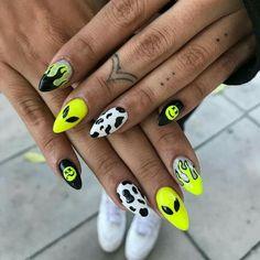 71 simple and amazing gel nail designs for summer 84 Grunge Nails, Edgy Nails, Neon Nails, Yellow Nail Art, Aycrlic Nails, Coffin Nails, Nail Swag, Hippie Nails, Alien Nails