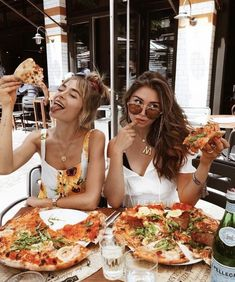 Besties & Pizza 🍕 Tag your BFF 👯‍♀️ from milenalesecret via . - Besties & Pizza 🍕 Tag your BFF 👯‍♀️ from milenalesecret via Staci Friedel …, - Bff Pics, Photos Bff, Cute Friend Pictures, Friend Photos, Travel Photos, Cute Friends, Best Friends, Best Friend Fotos, Insta Goals