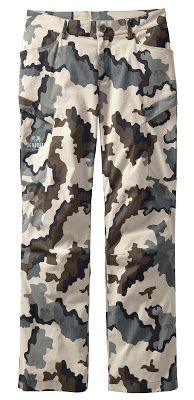 KUIU Tiburon Hunting System Hunting Pants, Archery Hunting, Hunting Clothes, Hunting Gear, Bow Hunting, Camo Outfits, Tactical Clothing, Things To Buy, Deer Blinds