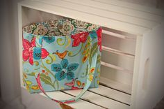 http://www.etsy.com/listing/90635031/tropical-flowers-and-birds-easy-bag