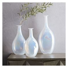 West Elm Opal Luster Fluted Vase, Large (€32) ❤ liked on Polyvore featuring home, home decor, vases, white vase, glass vases, handmade vase, handmade home decor and hand-blown glass vases