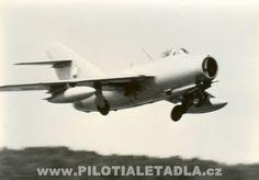Fotogalerie PILOTI A LETADLA | Piloti a letadla
