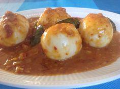 Sambal goreng telor. Indonesische eieren, heel lekker bij de rijsttafel. Recept van vandaagwatanders, de website vol vegetarische recepten.