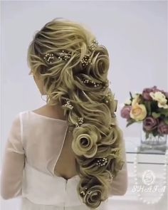 Unique Hairstyles Many hairstylists became treating long hairstyles like art. Face Shape Hairstyles, Unique Hairstyles, Weave Hairstyles, Pretty Hairstyles, Hairdo For Long Hair, Trending Hairstyles, Spring Hairstyles, Layered Hair, Fall Hair